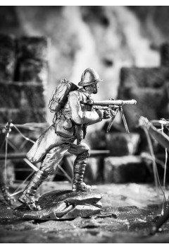 French soldier with a Shosh machine gun. 1915 year