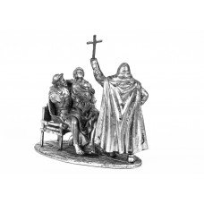 Brother-doctor and Brother-warrior with Sister-novice (on a single stand). Hospitallers